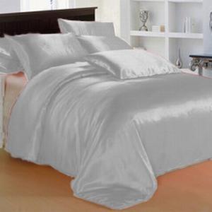 Серебряное атласное постельное белье